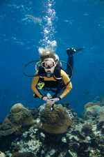 teens scuba diving